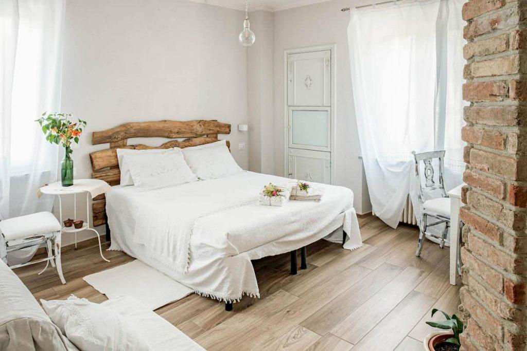 Camera matrimoniale - Affittacamere Villa Curte Nicia - Nizza Monferrato