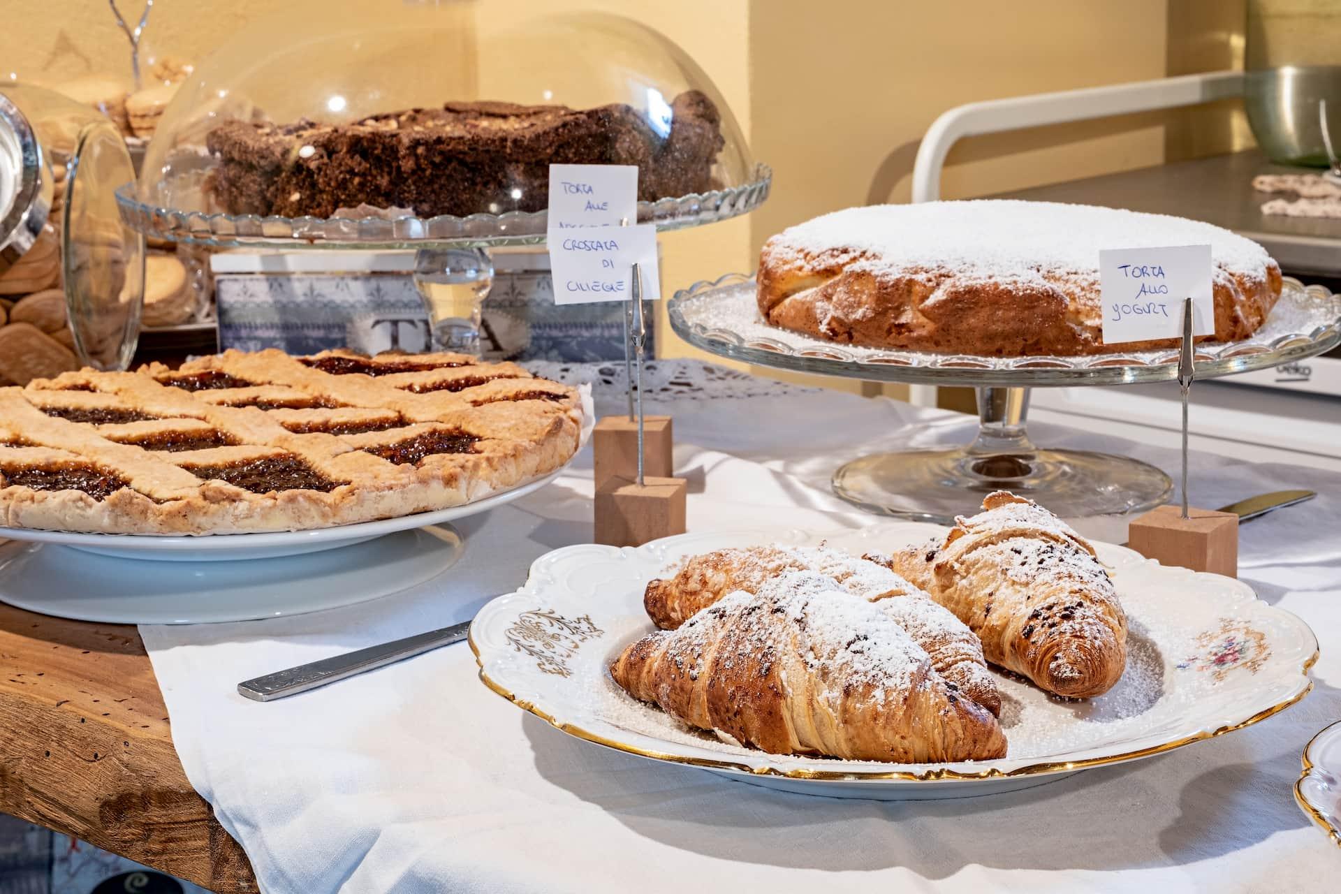 Villa-Cute-Nicia-colazione-brioches-torte